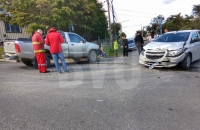 Colisión en la intersección de las calle Kuanip y San Luis
