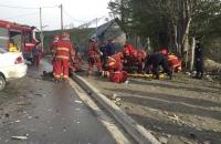 08/10/17  08:20 Impacto frontal de dos vehiculos en Hol Hol y Cilawaia