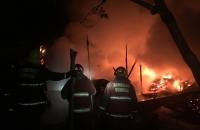 02:58 Voraz incendio, explosión y cuatro heridos en el Barrio Cañadón