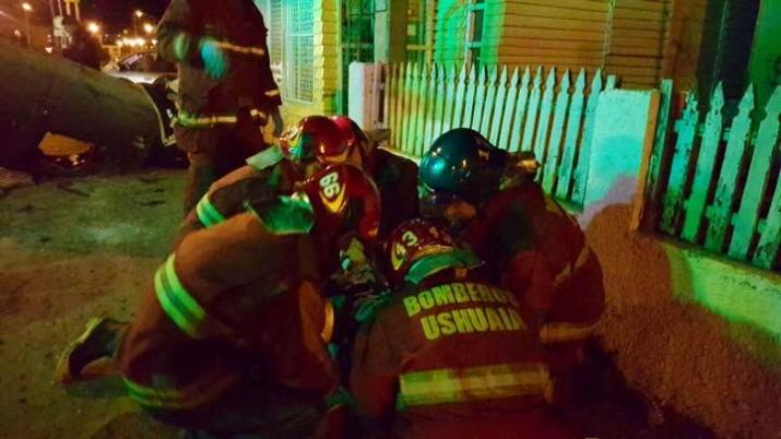 28/7/16 06:03 hs. Accidente Vehicular en Calle Olegario Andrade y Gob. Paz