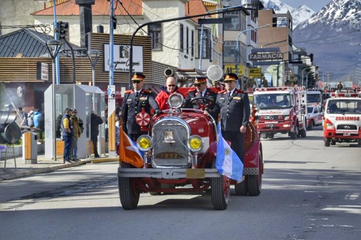 Imágenes del Desfile Cívico Militar 134° Aniversario de Ushuaia