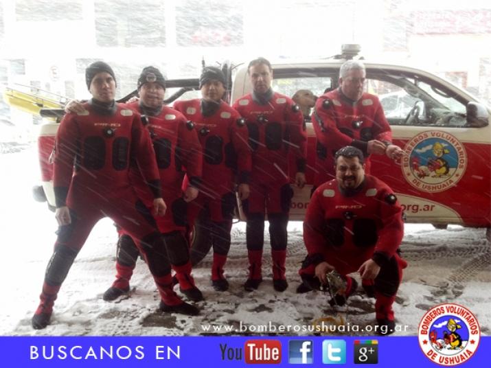 Bomberos Voluntarios Ushuaia,Buceo en Bahía de Ushuaia 23/02/2013