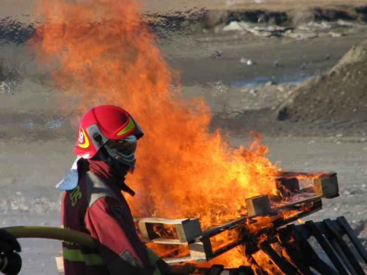 Destacada, Practica de Incendio (Academia Bombero )